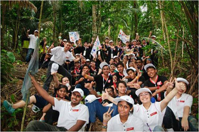 The HDF 2010 hopefuls in their jungle activity