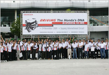 'Go,Honda,Go!'- 45 Motoring & Lifestyle Media, together with HMSB associates, taking a group shot before test drive starts.
