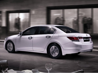Honda Accord 2.0 VTi-L Side and Rear View