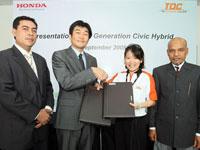 (From left) En. Azman Idris, Honda Malaysia President and COO, Mr. Atusushi Fujimoto, MD & CEO of Honda Malaysia, Ms. Adelaine Foo, CEO and Founder of TOC and En. Haji Mohd Aripin bin Harun, Chief Executive and Principal of TOC.
