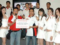 Grand Prize winner of the F1 Simulator Challenge, Encik Tunku Muhammad Ilyas
