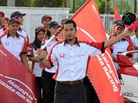 En. Ismail, Runner of HMRT.