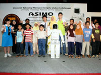 Students from UTM and various schools participates in the quiz session and won ASIMO goodies.