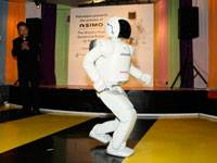 Now ASIMO can run at 6km/hour.