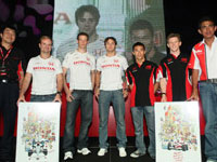 Honda Racing F1 Team and Super Aguri F1 Team Receiving Token from Fujimoto