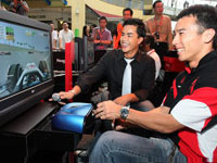 Takuma Sato at the F1 Simulator, Honda 2008 F1 Party