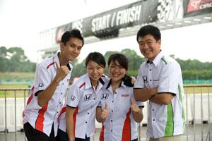 PR Team (HMSB) is all set! L-R: Jordhatt Johan Shihtra, Monique Low, Anna Ng and Ray Leong.