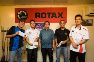 3rd Prize Winners! From L-R: Khai Ning (Wheelers Weekly), Go Suzuki (HMSB), Eugene (Motorsportschannel.com), Ahmad Zulizwan (EVO Malaysia) and Encik Rohime (HMSB).