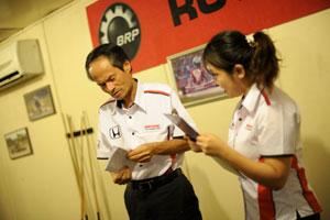 Mr. Toru Takahashi (HMSB) getting ready to announce the remaining winners.