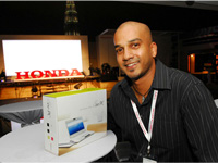 Lucky winner or Eee PC, Saravanan from Motor Trader.