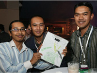 Left - Right: Zuraimi, Mohd Razlan and Efindi Baharudin.