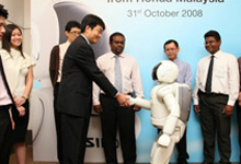 Mr Atsushi Fujimoto, Managing Director and Chief Executive Officer of Honda Malaysia wishes Happy Birthday to ASIMO.